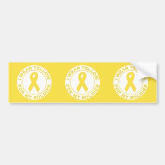 Llevo el amarillo para mi soldado etiqueta de parachoque