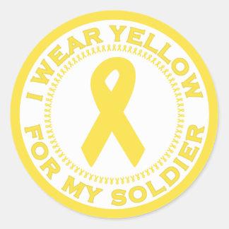 Llevo el amarillo para mi soldado pegatina redonda
