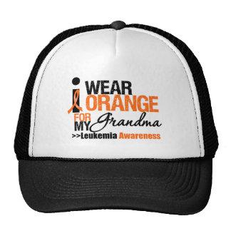 Llevo el naranja para mi abuela gorras