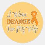 Llevo el naranja para mi esposa (la cinta pegatina redonda