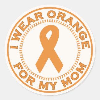 Llevo el naranja para mi mamá pegatina redonda