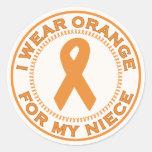 Llevo el naranja para mi sobrina pegatina redonda