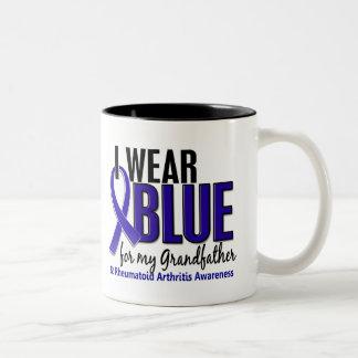 Llevo el RA de abuelo azul de la artritis Taza De Dos Tonos