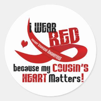 Llevo el rojo para el corazón 33 de mi primo pegatina redonda