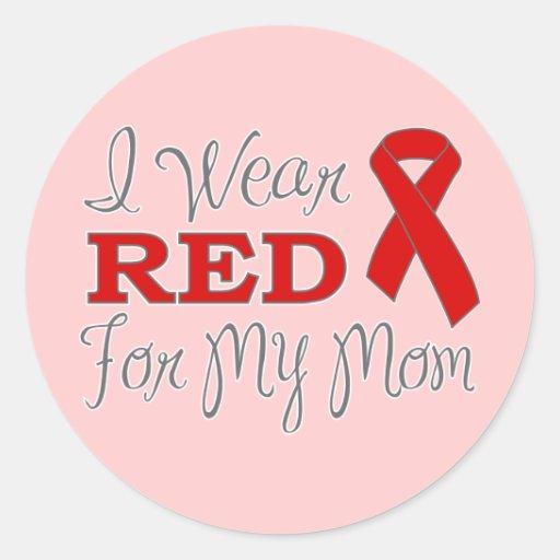 Llevo el rojo para mi mamá (la cinta roja) pegatina redonda