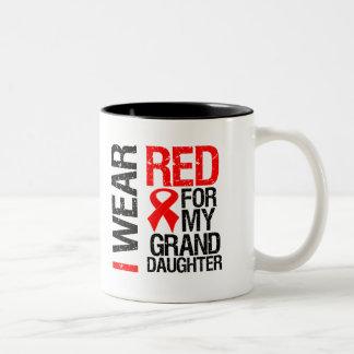 Llevo la cinta roja para mi nieta taza de dos tonos