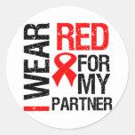 Llevo la cinta roja para mi socio pegatinas redondas