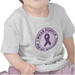 Llevo la púrpura para mi abuela camisetas