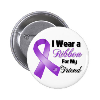 Llevo la púrpura para mi amigo pin redondo 5 cm