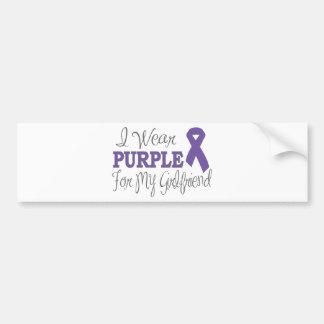 Llevo la púrpura para mi novia (la cinta púrpura) pegatina para auto