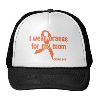 Llevo naranja para la camisa de mi mamá - cure m gorros