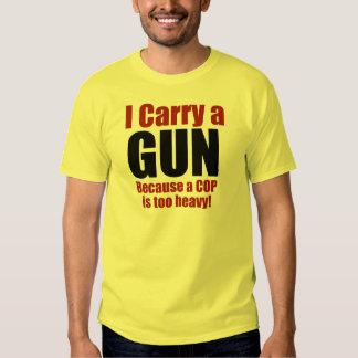 Llevo un arma remera