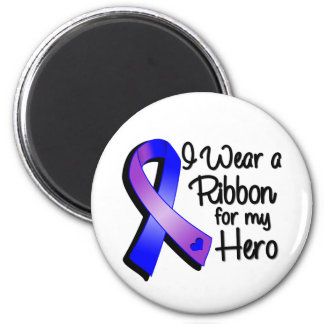 Llevo una cinta azul y púrpura para mi héroe imán redondo 5 cm