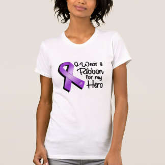 Llevo una cinta púrpura para mi héroe playera