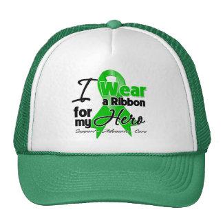Llevo una cinta verde para mi héroe gorras de camionero