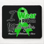 Llevo una cinta verde para mi hija alfombrillas de raton