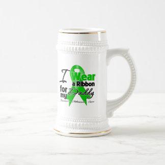 Llevo una cinta verde para mi papá jarra de cerveza