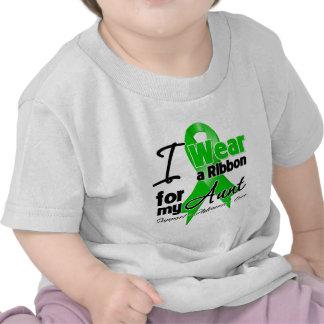 Llevo una cinta verde para mi tía camiseta