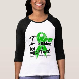 Llevo una cinta verde para mi tía camisetas