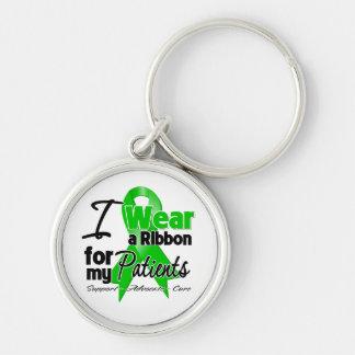 Llevo una cinta verde para mis pacientes llavero redondo plateado