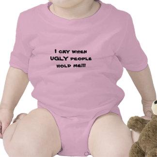 Lloro cuando la gente fea me detiene trajes de bebé