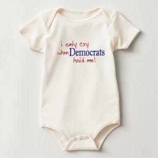 Lloro solamente cuando Demócratas me detienen Body Para Bebé