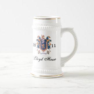 Lloyd contiene la taza (cita) para los nombres lar