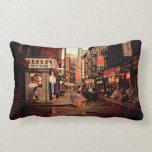 Lluvia - Chinatown - New York City Cojines