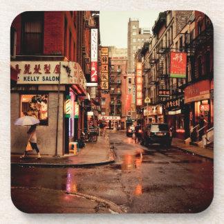 Lluvia - Chinatown - New York City Posavasos