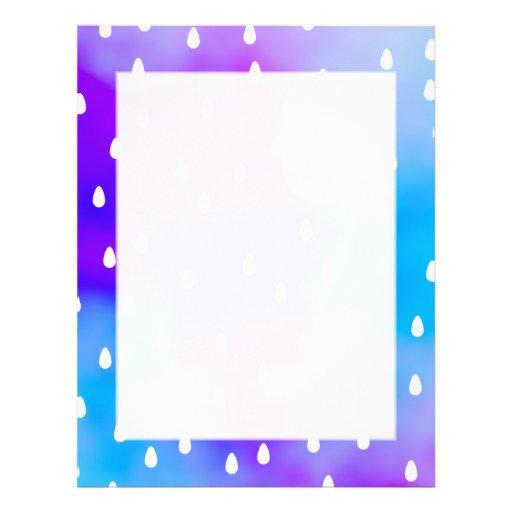 Lluvia con el cielo nublado azul y púrpura membrete a diseño