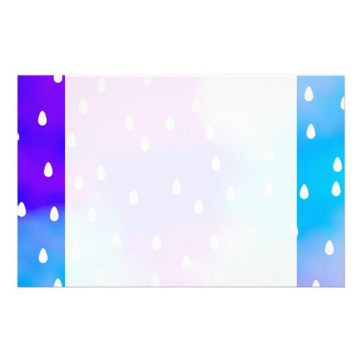 Lluvia con el cielo nublado azul y púrpura papelería personalizada