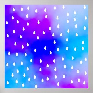 Lluvia con el cielo nublado azul y púrpura póster