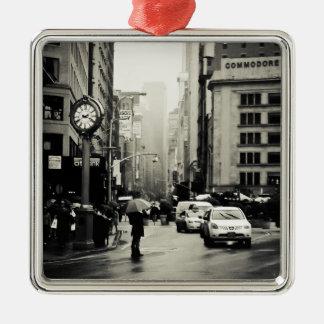 Lluvia en New York City - estilo del vintage Ornamento De Navidad