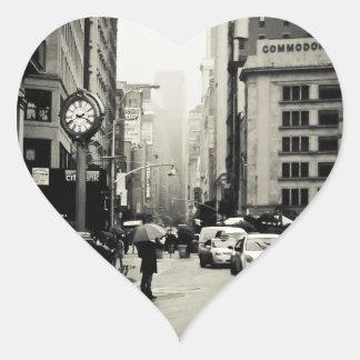 Lluvia en New York City - estilo del vintage Pegatina En Forma De Corazón