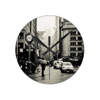 Lluvia en New York City - estilo del vintage Reloj De Pared
