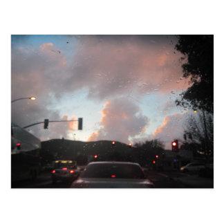 Lluvia Falliing en la puesta del sol en San Luis Postales