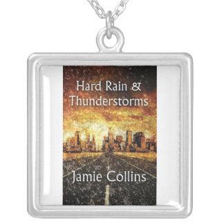 Lluvia y collar duros de las tempestades de