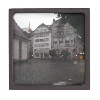 Lluvia y tiempo frío en Alfalfa en Suiza Caja De Recuerdo De Calidad