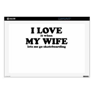 Lo amo cuando mi esposa me deja ir a andar en mono calcomanía para portátil