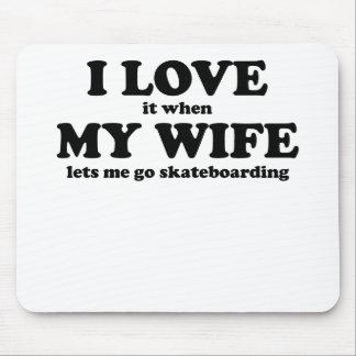 Lo amo cuando mi esposa me deja ir a andar en mono alfombrillas de raton