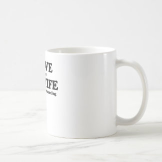 Lo amo cuando mi esposa me deja ir a andar en mono taza de café