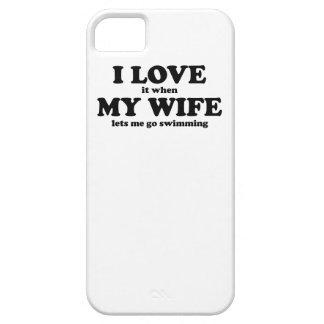 Lo amo cuando mi esposa me deja ir a nadar iPhone 5 Case-Mate cárcasa