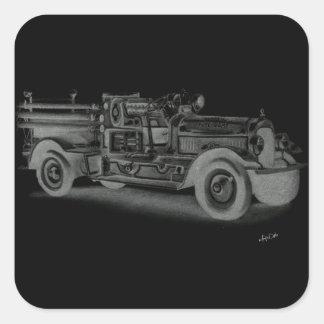 lo contrario dibujado mano del coche de bomberos d calcomanias cuadradas
