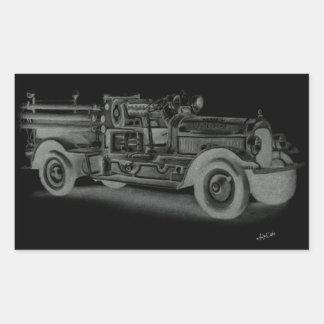 lo contrario dibujado mano del coche de bomberos d rectangular altavoz