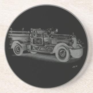 lo contrario dibujado mano del coche de bomberos d posavasos manualidades