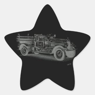 lo contrario dibujado mano del coche de bomberos pegatina en forma de estrella
