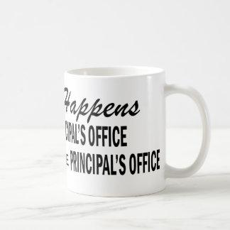Lo que sucede - la oficina del principal taza