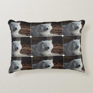 Lobo ártico adorable cojín decorativo