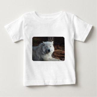 Lobo ártico adorable camisetas