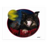 Lobo asustadizo del feliz Halloween Postal